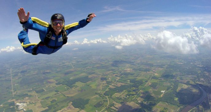 skydiving-lessons-1200x641